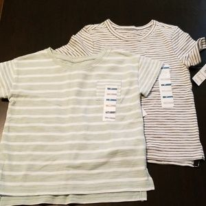 2 pack NWT old navy tshirts